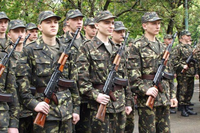 Берут ли в армию с судимостью в 2020 году? Можно ли по контракту?