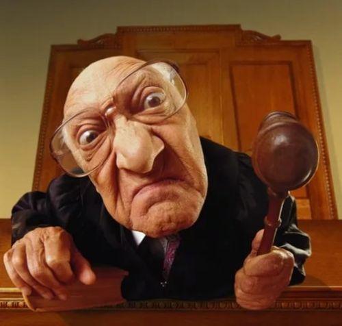 Жалоба на судью: как и куда пожаловаться в 2020 году{q}