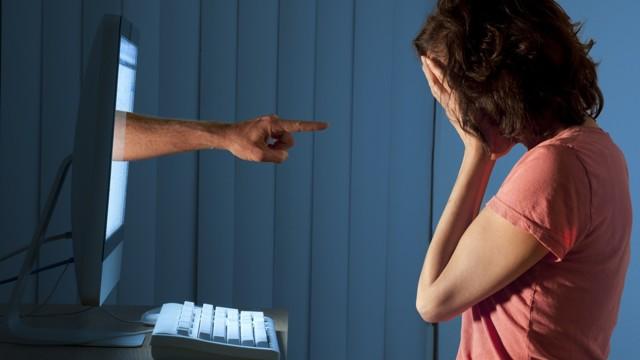 Какая статья УК РФ за оскорбление личности? Наказание и ответственность в 2020 году