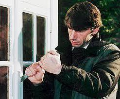 Незаконное проникновение в жилище: ст.139 УК РФ в 2020 году, ответственность