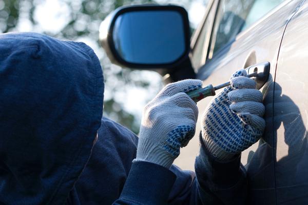 Угон автомобиля: статья 166 УК РФ, как объявить машину в угон в 2020 году?