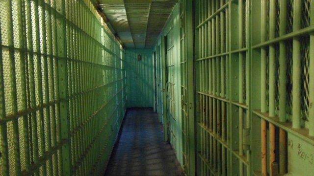 Женские тюрьмы: особенности в 2020 году, насилие, издевательства