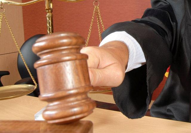 Причинение вреда при задержании лица совершившего преступление (ст. 38 УК РФ) в 2020 году