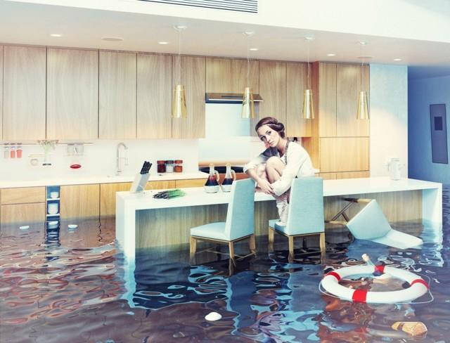 Оценка ущерба после залива квартиры в 2020 году - что делать и как возместить ущерб?