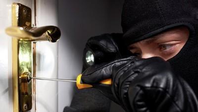 Отличие грабежа, кражи от мошенничества в 2020 году