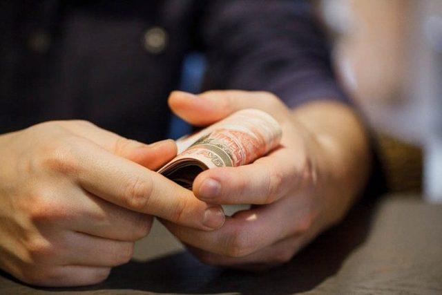 Что делать если вымогают деньги в 2020 году? Куда обращаться?